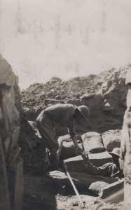 Le comte de Prorok reçoit Vénus de la tombe de Tin Hinan
