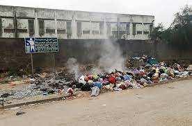 Jijel - ARRÊT SUR IMAGE: Vu à El-Milia On met le feu aux ordures ménagères