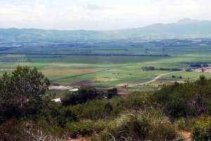 Plaine de la Mitidja vue depuis le Mausolée royal de Maurétanie.