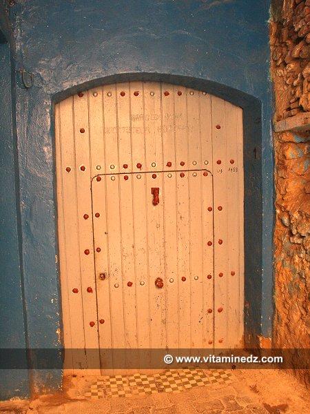 Vieille porte d 39 une maison tlemcenienne for Portent une maison lacustre
