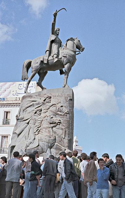 Statue de l'Emir Abdelkader à Alger