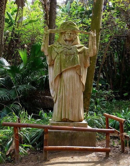 Statue archa que au jardin d 39 essai d 39 alger alger for Jardin d essai alger