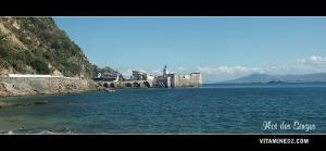منارة الملاحة بجزيرة القردة على شمال شرق مدينة سكيكدة