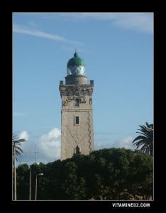 منارة رأس بن ڨوت أو برج فنار على ساحل ولاية بومرداس