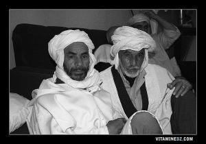 شيوخ من قبيلة مجادبة في زيارة لمقام سيدي الشيخ