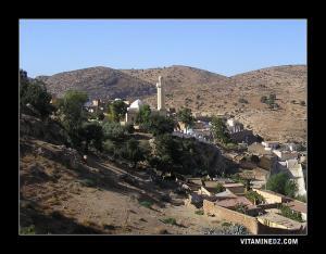 القلعة مدينة 355 ضريح بولاية غليزان
