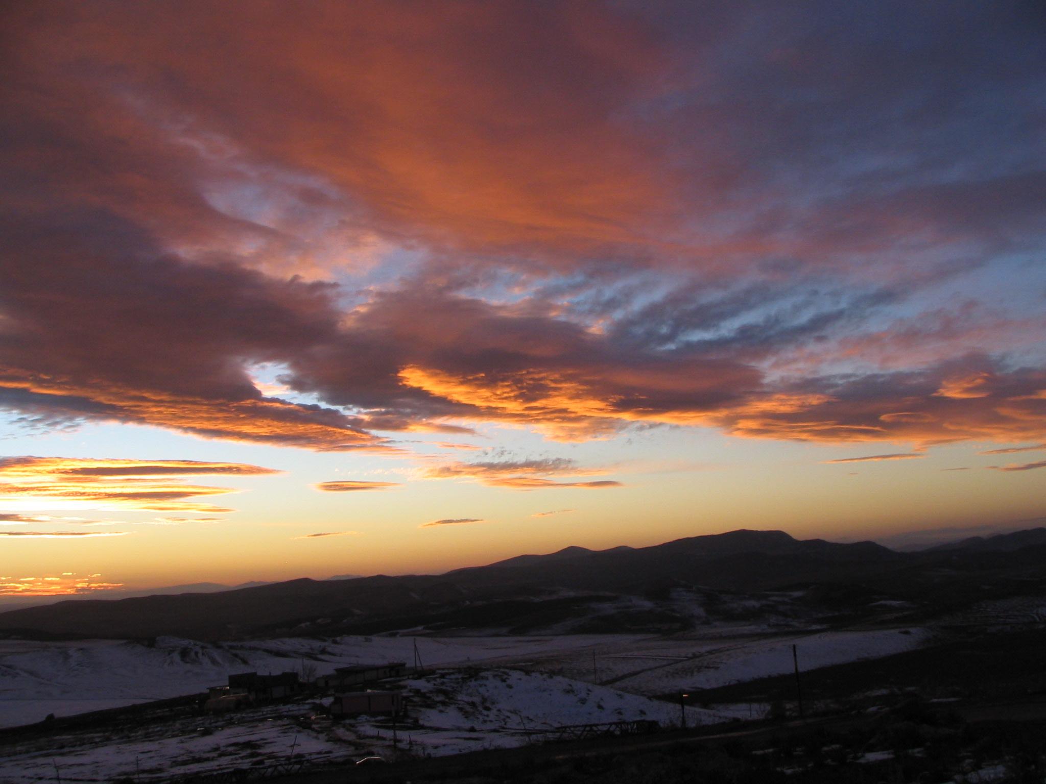غروب الشمس بمنطقة عين عباسة بولاية سطيف