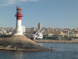 Phare de Mostaganem si tué à l'intérieur du Port