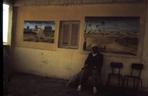 C'était une halte dans le désert du côté d'el Oued... - 1990