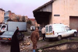 سوق الخضر و الفواكه قرب محطة