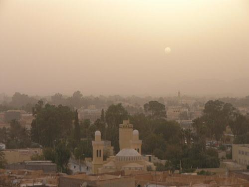 عاصفة رملية على مدينة الأغواط