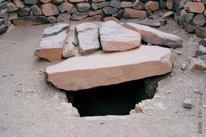 آثار مقبرة من العصر الحجري بتين حينان (بلدية عبالسة)