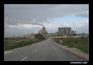 مصنع الإسمنت ببلدية بني صاف