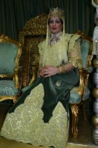 لباس تقليدي لعروسة من مدينة عنابة