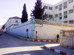 المستشفى المركزي لمدينة سور الغزلان