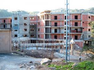 Nouvel Hôtel en construction à Chrea