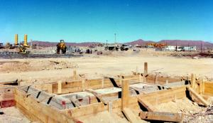 Un chantier aux alentours de Tamanrasset en 1981