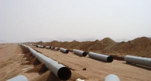 Assemblages de pipelines destinées à charrier l'eau potable depuis Ain Salah jusqu'à Tamanrasset