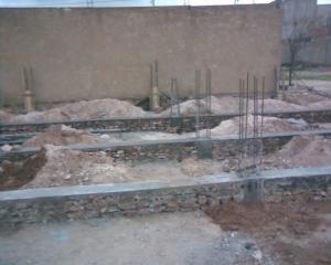 Fondations de nouveaux immeubles au nord de Mahdia