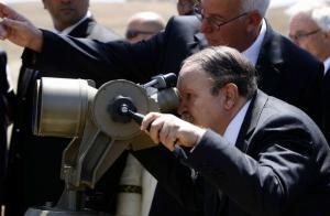 الرئيس الجزائري في زيارة إلى ولاية البويرة لتدشين السد العملاق في كدية أسدون