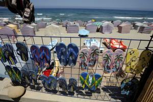 شاطئ تيڨزيرت (ولاية تيزي وزو)