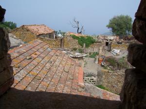 منظر من قرية قديمة بضواحي تزي وزو