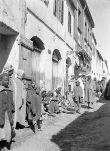 صورة قديمة لقصر قرية بخاري