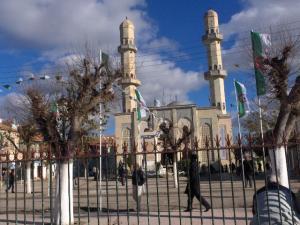 مسجد النصر بوسط مدينة سور الغزلان