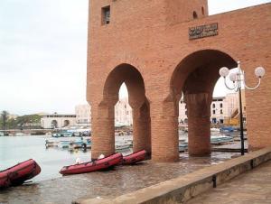 Port des Gardes C�tes de Sidi Fredj