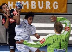 اللاعب الجزائري لكرة اليد مسعود بركوس