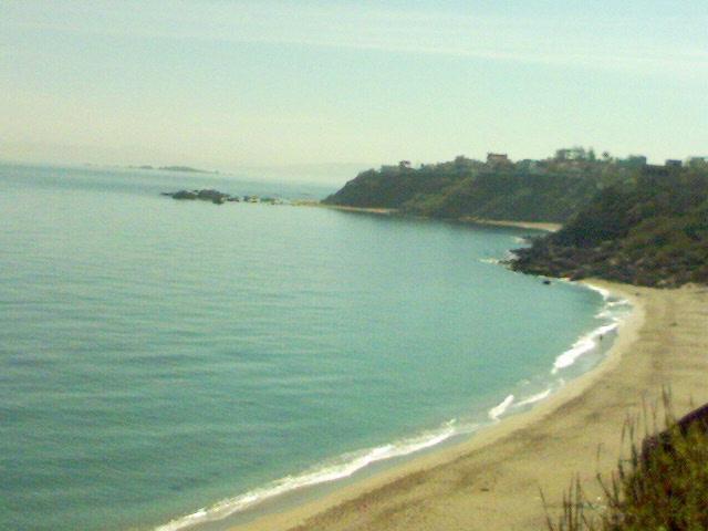 صورة فضائية لشاطئ