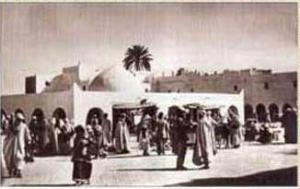 صورة قديمة لسوق القصر