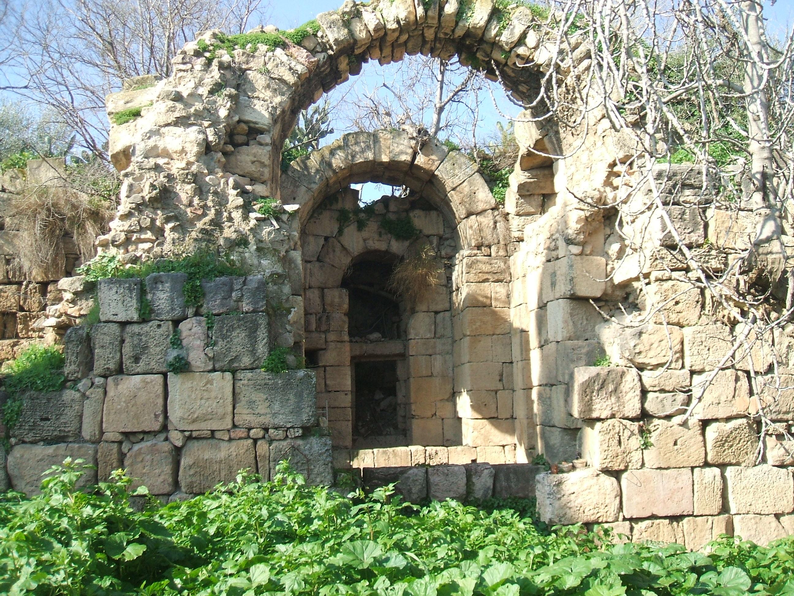 باب مدينة ميلة في العهد الروماني