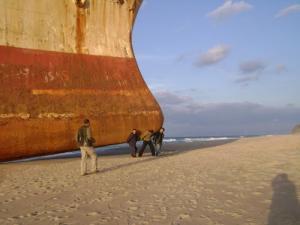 Soulever un bateau à la force des bras )