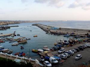 صورة لميناء لامدراق بالجزائر العاصمة