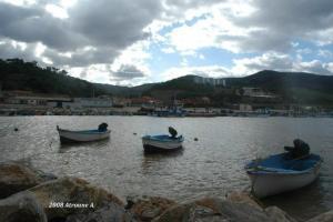ميناء الصيد البحري لبلدية بني حواء