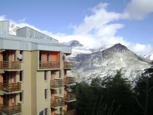 جبال بلدية حيزر تحت الثلوج