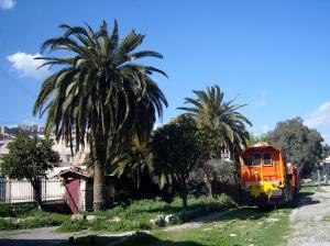 محطة السكة الحديدية لبلدية أقبو (ولاية بجاية)