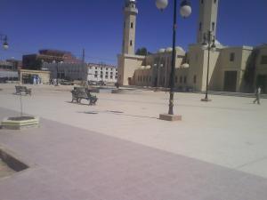 الساحة المقابلة لمسجد أبي بكر الصديق