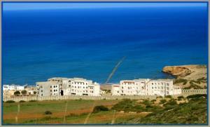 Complexe Hôtelier sur une Plage de la Commune Abdelmalek Ramdane