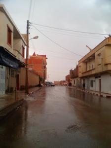 Le centre ville de Berhoum sous la pluie