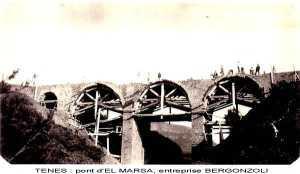 انجاز جسر المرسى اثناء الحقبة الاستعمارية والجزائريون هم من يقومون بالاعمال الشاقة