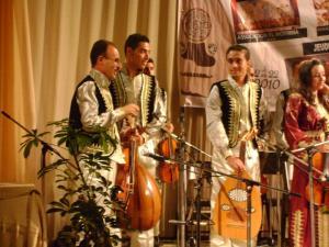 فرقة المطربية للأندلس من مدينة بسكرة
