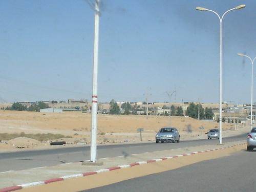 Autoroute menant à l'aéroport de Ouargla
