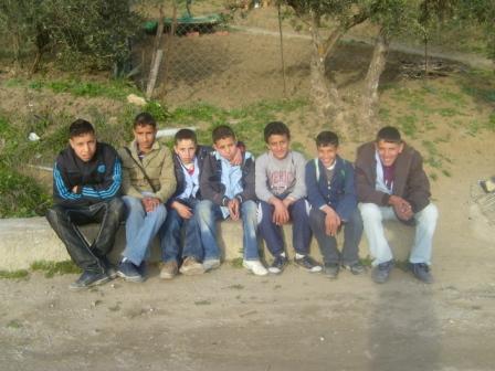 أطفال من قرية