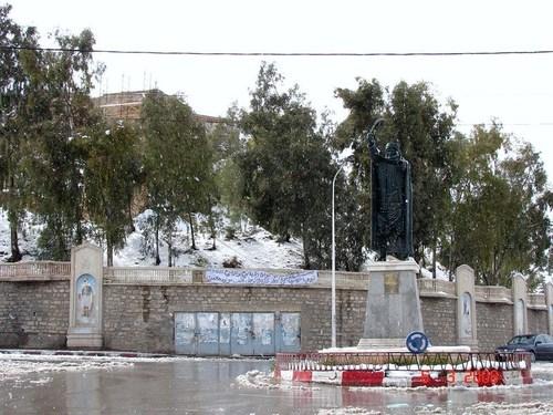 Statue du Cheikh El-Mokrani au centre ville de Bordj Bou Arreridj