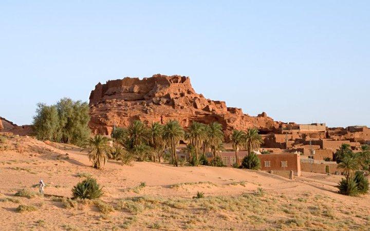 الجزائر و تمتدّ على مساحة قدرها 4.791 كلم مربع و