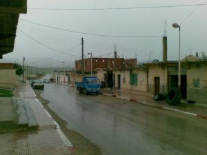 Une allée au centre ville de Merahna