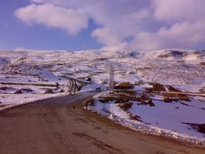 Autoroute enneigée à Ouled Idriss
