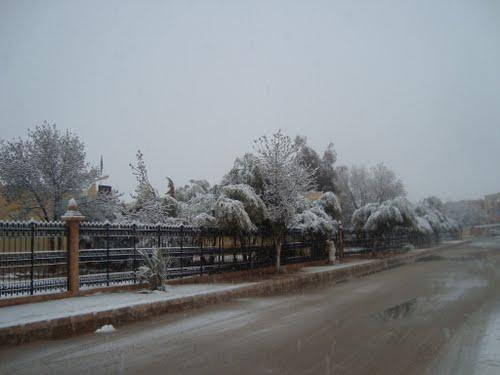 Si�ge de la Radio de Naama sous la neige